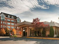 Arlington (VA) Best Western Pentagon Hotel Reagan Airport United States, North America Best Western Pentagon Hotel Reagan Airport is perfectly located for both business and leisure guests in Arlington (VA). The hotel offers a wide range of amenities and perks to ensure you have a great time. 24-hour front desk, Wi-Fi in public areas, car park, airport transfer, restaurant are just some of the facilities on offer. Some of the well-appointed guestrooms feature non smoking rooms,...
