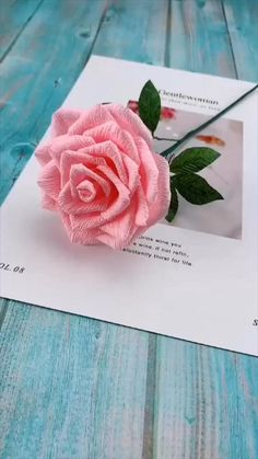 Cool Paper Crafts, Tissue Paper Flowers, Paper Crafts Origami, Diy Crafts For Gifts, Creative Crafts, Origami Art, Diy Paper, Fabric Crafts, Paper Rose Craft