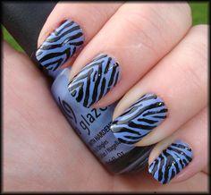 Tiger-striped nails by www.mylatestobsession.com.