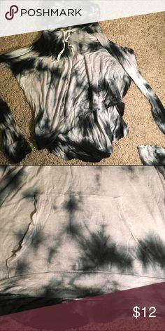 Brandy Melville tie-die hoodie Blue and white tie die hoodie from Brandy Melville! It's a pull over and super comfy. Brandy Melville Tops Sweatshirts & Hoodies