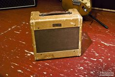 Love this vintage amp-- I bet it sounds SWEET! Fender Thinline, Fender Guitar Amps, Bass Amps, Cigar Box Guitar, Guitar Pedals, Custom Guitars, Vintage Guitars, Cool Guitar, Musical Instruments