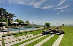 Gunite pool and hot tub overlooking Lake Ontario ~ 100 Lisonally, Oakville Ontario, Luxury Swimming Pools, Gunite Pool, Hollywood Homes, Luxury Real Estate, Interior And Exterior, Golf Courses, Condo, Backyards