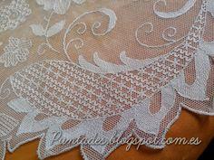 Risultati immagini per Bordado en tul Tambour Embroidery, White Embroidery, Macrame Earrings, Lace Doilies, Needle Lace, Lace Making, Tulle Lace, Sewing Techniques, Silk Ribbon