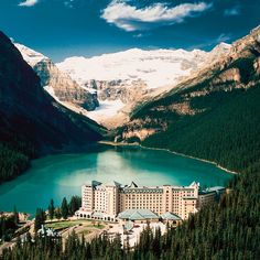 Fairmont Chateau Lake Louise-Alberta.  Canadá