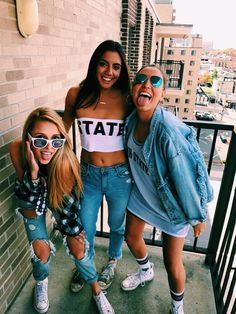 25 Awesome outfit to wear this summer - short ,denim ,croptop ,simple summer outfits ,summer wardrobe College Games, College Game Days, College Fun, College Life, College Party Outfit, Fall College Outfits, Bff Goals, Best Friend Goals, Cool Outfits