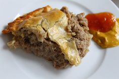 Traditional Acadian Christmas Meat Pie Recipe - My Website 2020 Meat Sauce Recipes, Meat Loaf Recipe Easy, Pie Recipes, Cooking Recipes, Yummy Recipes, Beef Recipes For Dinner, Holiday Recipes, Supper Recipes, Tortiere Recipe