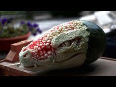 Un artista crea verdaderas esculturas con sandías y le quedan geniales | Farandulaya