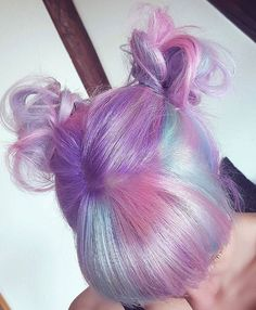 pastel hair With the New Year come a new you, why shouldnt your hair match If 2017 isnt the year to bring out a bold new hair color, idk what year is. Seriously, lets c Kawaii Hairstyles, Pretty Hairstyles, Scene Hairstyles, Short Hairstyles, Cool Hair Color, Hair Colors, Pastel Colors, Pastel Pink, Coloured Hair