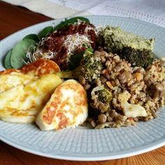Halloumi, Munnar, Easy Healthy Recipes, Healthy Food, Food Hacks, Quinoa, Love Food, Food And Drink, Veggies