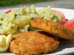 117 * Kvetakovy karbanatek se syrem a sunkou - deep fried cauliflower with cheese and ham. No Salt Recipes, Snack Recipes, Cooking Recipes, Zucchini Corn Recipe, Deep Fried Cauliflower, Czech Recipes, Ethnic Recipes, Slovakian Food, Fast Dinners