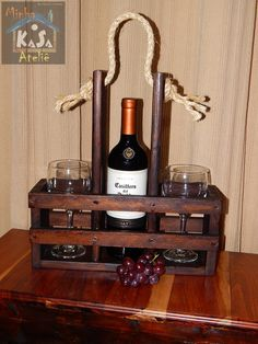 Interior Home Design Trends For 2020 - New ideas Wine Bottle Glass Holder, Wine Glass Rack, Wine Bottle Crafts, Diy Furniture Projects, Diy Wood Projects, Wood Crafts, Wine Shelves, Wine Storage, Rustic Wine Racks