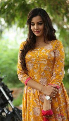 Deeksha Panth Hot Pics