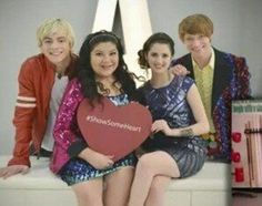 It's all love and hearts with the Austin and Ally gang <3