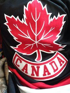 Team Canada jersey! Hockey Rules, Hockey Logos, Sports Logos, Canada Logo, Canada Eh, Canadian Things, I Am Canadian, Hockey Sweater, All About Canada