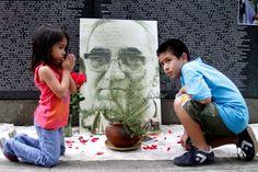 San Romero of America, Cuscatlan Park, San Salvador.   Photo by: Julio Lopez Fernández. El Salvador