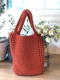 Crochet Market Bag, Crochet Clutch, Crochet Handbags, Crochet Purses, Easy Crochet Stitches, Crochet Patterns, Love Crochet, Crochet Yarn, Crochet Shoulder Bags