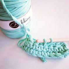 Mint is back #yesss #bobbiny #bobbinyyarn #mint #crochethook #hook #crochetaddict #fabricyarn #cotton #yarn #saturday #happytime