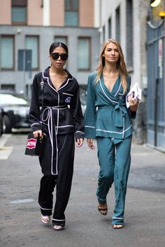 As we're in full hibernation mode, is it any surprise we're keen to find clothes that as closely resemble our PJs as possible? Luckily pyjama-style tops are hav Pajama Party Outfit, Pajama Outfits, Pj Party, Fashion Mode, Look Fashion, Fashion Outfits, Fashion Trends, Milan Fashion, Catwalk Fashion