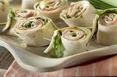Pinwheel Mini Sandwiches – We've put a new spin on a party sandwich recipe. Roll up your meat and cheese faves for party-perfect pinwheels that are as much fun to make as they are to eat. For more rin (Finger Sandwich Recipes) Kraft Foods, Kraft Recipes, Pinwheel Sandwich Recipes, Pinwheel Sandwiches, Sandwich Ideas, Appetizers For Party, Appetizer Recipes, Comida Baby Shower, Tee Sandwiches