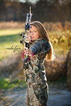 Senior Portrait / Photo / Picture Idea - Girls - Hunting - Archery - Bow #huntingbow