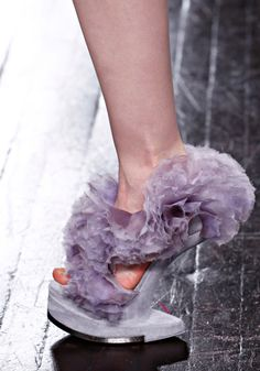 Unique concept, but not very attractive. Alexander McQueen - Fall 2012