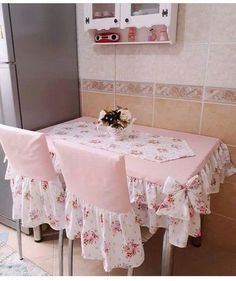 fabric crafts DIY for sale Cocina Shabby Chic, Shabby Chic Kitchen, Shabby Chic Homes, Furniture Covers, Chair Covers, Table Covers, Shabby Chic Pink, Shabby Chic Decor, Diy Home Decor