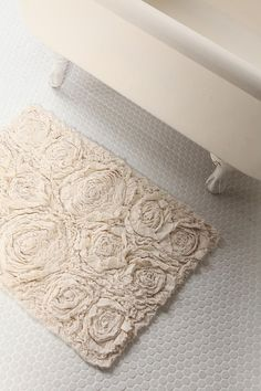 DIY rug--love this for a shabby chic bath.                                                                                                                                                                                 More