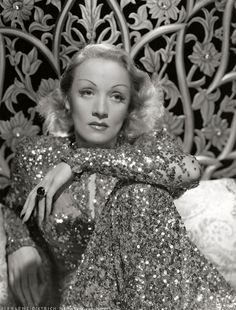 Perfect, perfect point of view for Rollo Jaspers scene #marlenedietrich #abrightroomcalledday