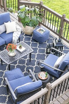 Love the idea of blue as our accent color for our patio. Patio Furniture, rugs Back Deck Decorating, Backyard Patio, Backyard Landscaping, Decks And Porches, Outdoor Rooms, Outdoor Retreat, Outdoor Decor, Outdoor Living, Pool Decks
