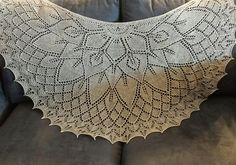 Ravelry: Flower Princess shawl pattern by Aet Terasmaa