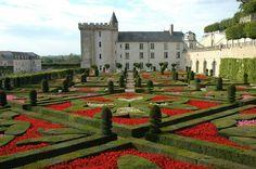 Chateau Villandry in the Loire Valley, France - Renaissance Architecture, Historical Architecture, Guide Vin, Loire Castles, Château De Villandry, Images Of France, Places To Travel, Places To Go, 2 Days Trip