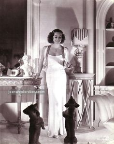 Joan Crawford & her beloved doxies, Baby and Boopshen! A fellow Doxie lover! Joan Crawford, Old Hollywood Glamour, Vintage Hollywood, Classic Hollywood, Hollywood Icons, Vintage Glam, Scottish Terrier, Adrienne Ames, Dachshund Love