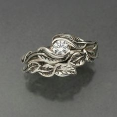 Nature inspire wedding band. This is my dream wedding band!