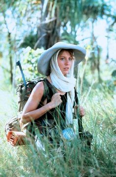 Linda Kozlowski as Sue Charlton in Crocodile Dundee Try Not To Smile, Cybill Shepherd, Crocodiles, Scene Photo, Movie Characters, Great Movies, Headgear, Film Movie, Amazing Women
