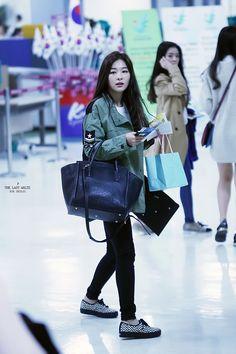 Red Velvet Seulgi Airport Fashion 141004 2014 Kpop