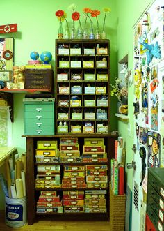 cigar boxes -- so going to do this! i have so many cigar boxes, i don't know what to do with them anymore...