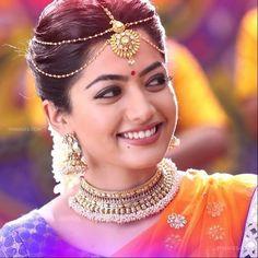 Beautiful Girl Photo, Beautiful Girl Indian, Most Beautiful Indian Actress, Beautiful Models, Beautiful Bollywood Actress, Beautiful Actresses, Cute Girl Poses, Cute Girl Face, Stylish Girl Images