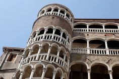 PALAZZO CONTARINI DEL BOVOLO, VENICE, ITALY This Renaissance-era staircase is an iconic structure in Venice. Located in a palace built by Family Contarini, the staircase gets its name from its shape. Bovolo means snail shell in Italian. The beautiful staircase has many arches.