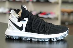 Nike KD 10 Black White The Nike KD 10 Black White with marbled outso. - Alyssa Olsen - - Nike KD 10 Black White The Nike KD 10 Black White with marbled outso. Girls Basketball Shoes, Volleyball Shoes, Zapatillas Nike Basketball, Zoom Iphone, Iphone 5c, Sneakers Fashion, Sneakers Nike, Oki Doki, Shoes