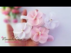 FLOR DELICADA 🎀 Organza Flowers, Fabric Flowers, Flower Video, Hair Beads, Kids And Parenting, Hair Clips, Ribbon, Stud Earrings, Bows
