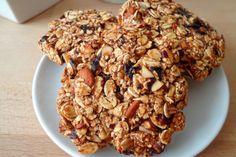 I biscotti 3 ingredienti sono perfetti per la colazione di tutta la famiglia. Salutari e semplici da preparare saranno adatti davvero a tutti. Ecco la ricetta ed alcuni consigli