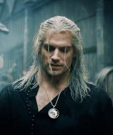 The Witcher The Witcher Movie, Lana Del Rey Video, Netflix Videos, Spartan Tattoo, The Rock Dwayne Johnson, Ash Stymest, Baby Tumblr, Hot Video, Boy And Girl Best Friends