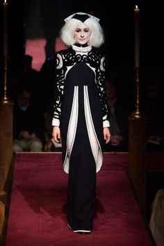 """Look 23 from Thom Browne Fall 2014 RTW. Somehow I don't see this as """"ready to wear""""! It borders on couture to me. Oh well, Amazingly gorgeous with it's almost art-nouveau patterned motif and inimitable Thom Browne paean to haberdashery--of course. Ny Fashion Week, Runway Fashion, Fashion Show, Fashion 2014, Fashion Weeks, Review Fashion, Couture Fashion, Fashion Fashion, Thom Browne"""