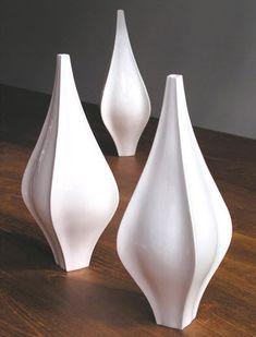 Original design vase / porcelain FINN by Dominic & Frances Bromley Scabetti