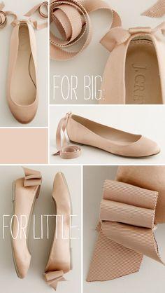 Olha só uma forma de transformar aquele seu sapato de plebleia em sapato de princesa... rs   Também já vi gente que cola a fita na ponta......