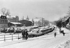Bulwar nad Brdą - widok w stronę mostu Gdańskiego - 1945 r Historical Images, Art And Architecture, Street View, Snow, River, Landscape, Places, Outdoor, Beautiful