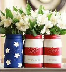 Coolest mason jar makeover ever/ Wouldn't these pretty up your Memorial Day picnic table? Make extras & send a jar home w/each guest.