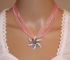 Edelweiss Kette rosa, Anhänger Fuchszahn Design von Edelweiss51 auf Etsy
