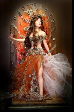 BELLY-DANCER-with-backdrop-setting-9-polymer-clay-OOAK-by-Patricia-Rose