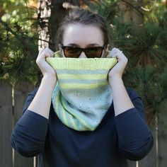 This lovely Stellaria Cowl was knit by Anna! @aersknits Doesn't it look great on her? http://ift.tt/2dErT14  #knitting #breien #knittedcowl #lavischdesigns